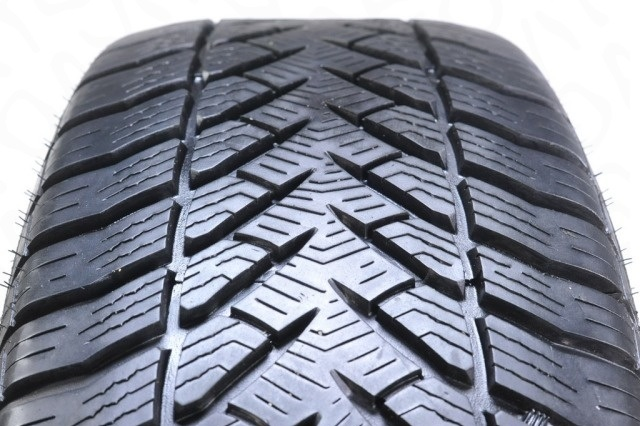 Goodyear Eagle Ultra Grip GW-3 RunFlat (2)